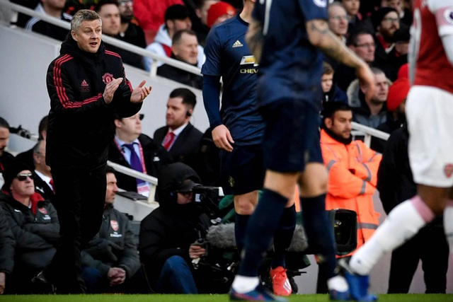 Những khoảnh khắc trong trận chiến Arsenal hạ gục Man Utd - 10