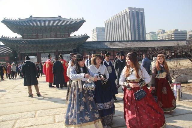 Một giờ tham quan cung điện Hoàng gia Hàn Quốc - 11