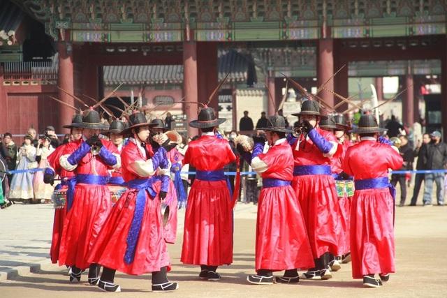 Một giờ tham quan cung điện Hoàng gia Hàn Quốc - 6