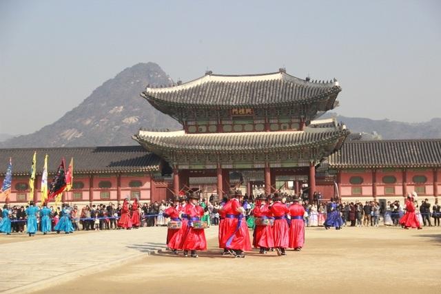Một giờ tham quan cung điện Hoàng gia Hàn Quốc - 7