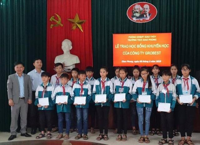 Trao 120 suất học bổng Grobest Việt Nam đến học sinh nghèo Nam Định, Ninh Bình - 3