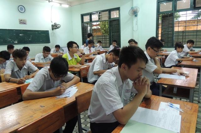 HS thi lớp 10 (4).JPG