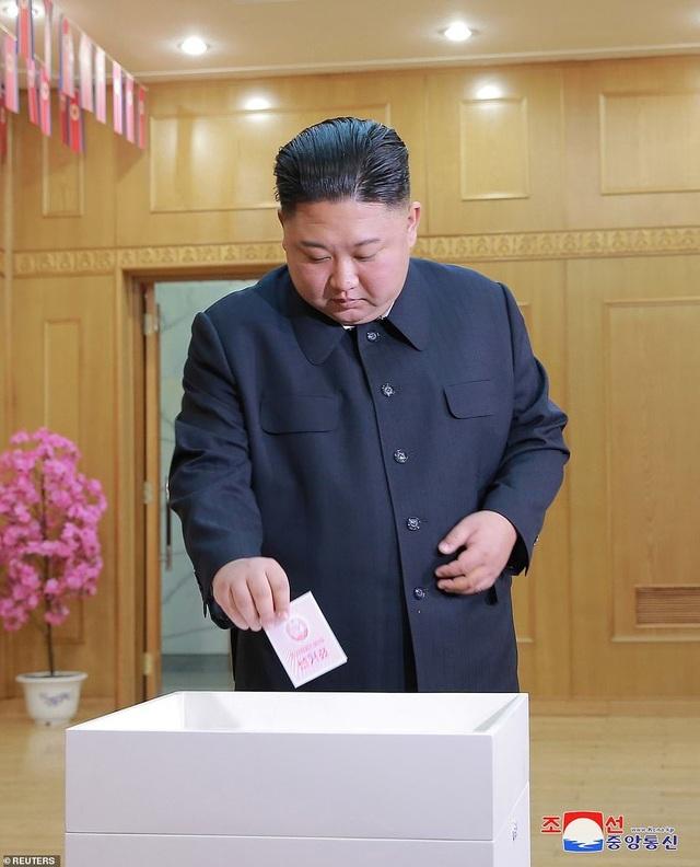 Ông Kim Jong-un cùng hàng triệu người Triều Tiên nô nức đi bầu cử - 1