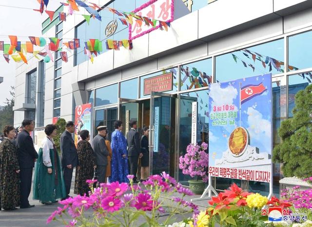 Ông Kim Jong-un cùng hàng triệu người Triều Tiên nô nức đi bầu cử - 2