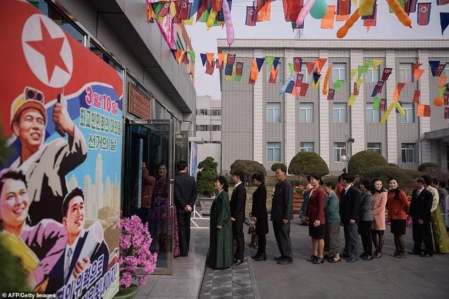 Ông Kim Jong-un cùng hàng triệu người Triều Tiên nô nức đi bầu cử - 4