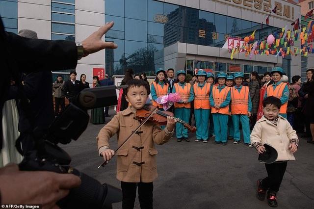 Ông Kim Jong-un cùng hàng triệu người Triều Tiên nô nức đi bầu cử - 9