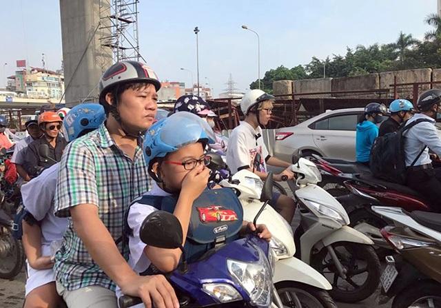 """""""Hạn chế xe máy trong nội thành không phải là gây khó cho dân"""" - 2"""