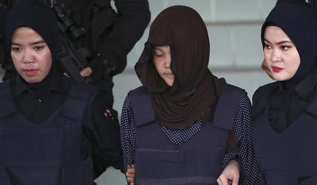 Tòa Malaysia thả bị cáo Indonesia trong nghi án Kim Jong-nam, Đoàn Thị Hương bị sốc - 1