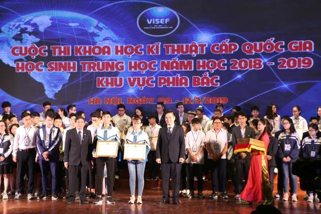 Bộ GDĐT trao 136 giải thưởng cuộc thi KHKT quốc gia khu vực phía Bắc - 1