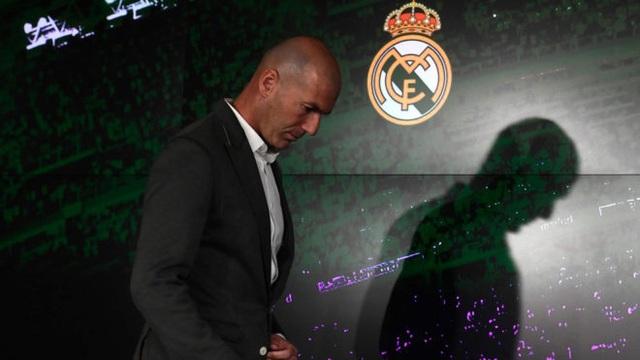 """Trở về Real Madrid, Zidane đang """"đánh bạc"""" với chính mình?"""