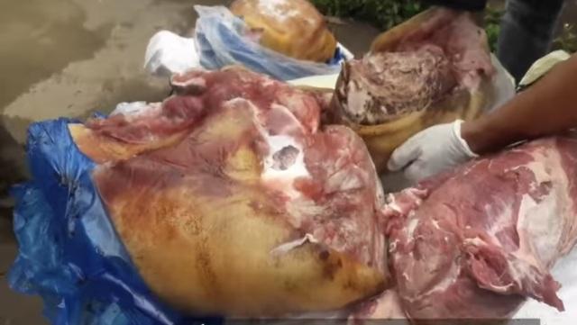 Gần 300kg thịt lợn bốc mùi, phân hủy chuẩn bị lên bàn ăn - 1