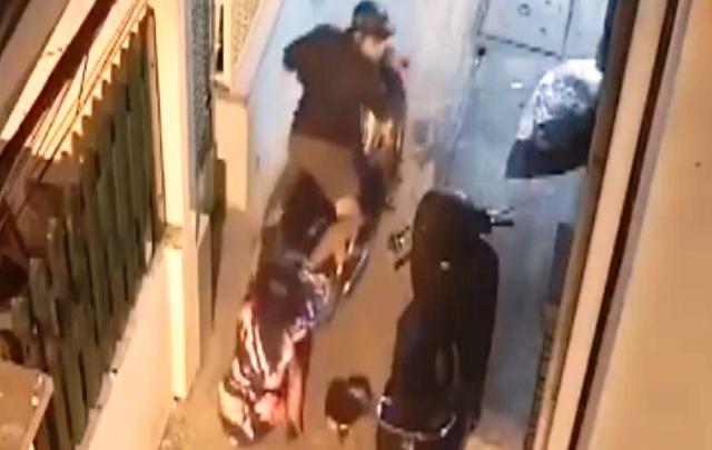 Tên cướp đạp ngã nạn nhân, dùng hung khí tấn công cảnh sát hình sự - 3