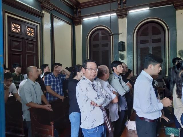 Sòng bạc ẩn nấp trong khách sạn 3 sao ở trung tâm Sài Gòn - 1