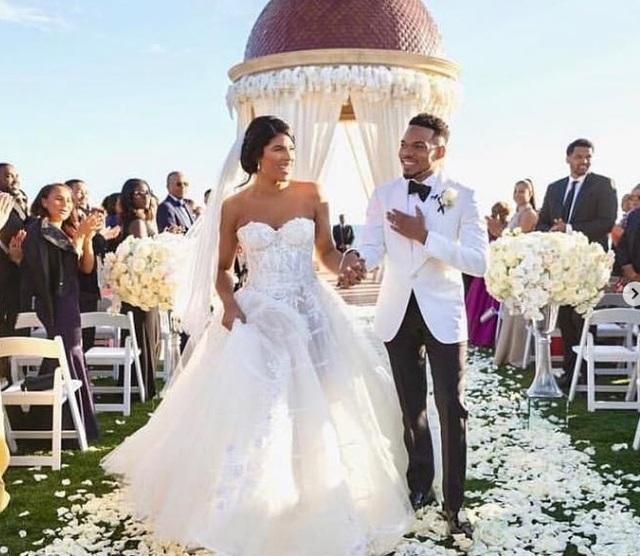 Kim Kardashian gợi cảm đi dự đám cưới bạn - 6
