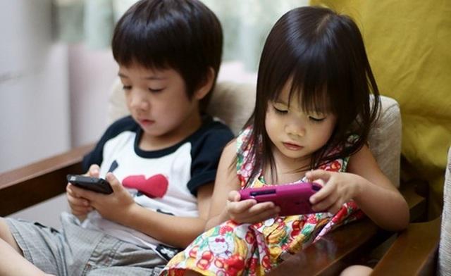 Những sai lầm của cha mẹ khi cho con dùng điện thoại - Ảnh minh hoạ 3