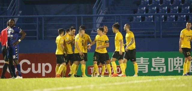 Sai lầm kỳ quặc của Tấn Trường khiến B.Bình Dương thua ở AFC Cup - 1