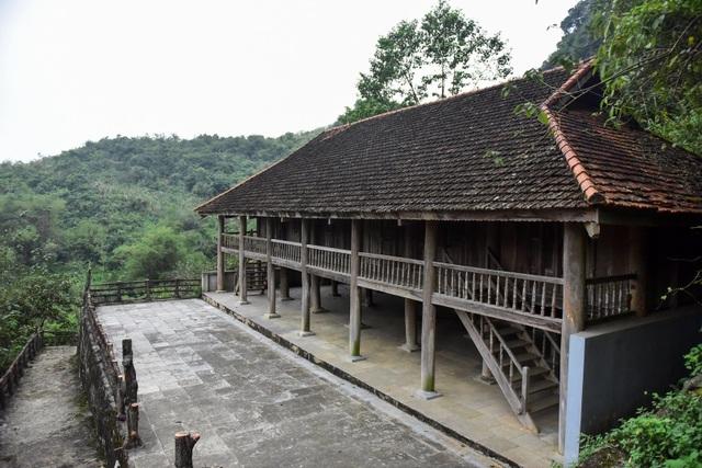 Kỳ lạ ngôi chùa cổ 1000 năm, tọa lạc trong lòng hang động ở Ninh Bình - 14
