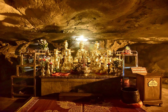 Kỳ lạ ngôi chùa cổ 1000 năm, tọa lạc trong lòng hang động ở Ninh Bình - 5