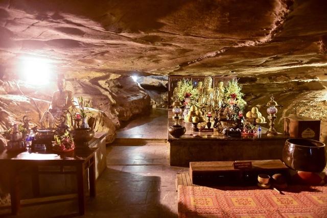 Kỳ lạ ngôi chùa cổ 1000 năm, tọa lạc trong lòng hang động ở Ninh Bình - 8