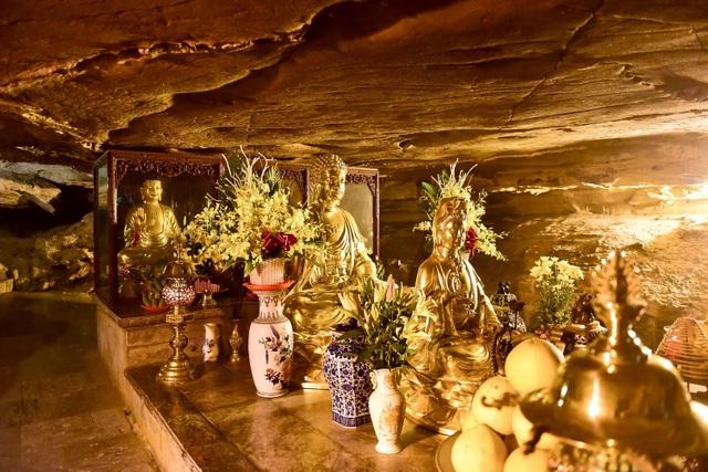 Kỳ lạ ngôi chùa cổ 1000 năm, tọa lạc trong lòng hang động ở Ninh Bình - 10