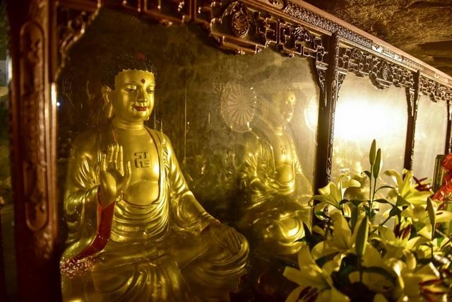 Kỳ lạ ngôi chùa cổ 1000 năm, tọa lạc trong lòng hang động ở Ninh Bình - 9