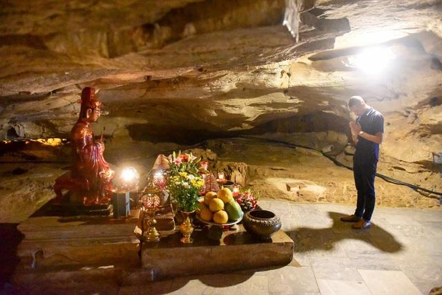 Kỳ lạ ngôi chùa cổ 1000 năm, tọa lạc trong lòng hang động ở Ninh Bình - 6
