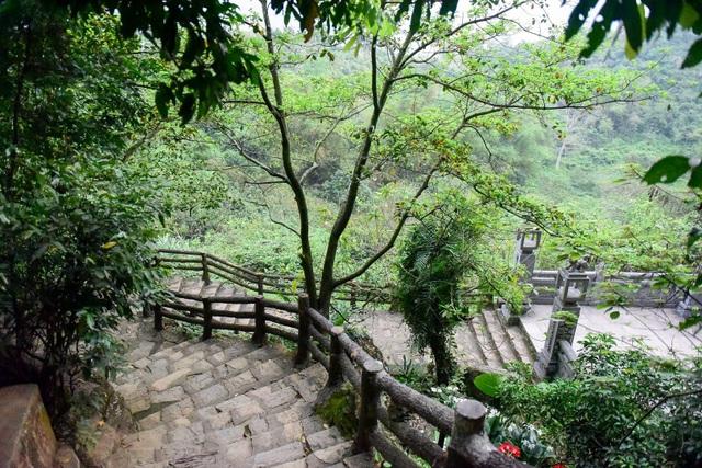 Kỳ lạ ngôi chùa cổ 1000 năm, tọa lạc trong lòng hang động ở Ninh Bình - 15