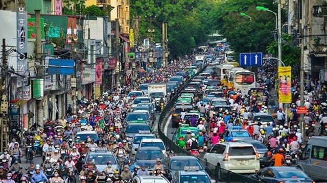 Đề xuất cấm xe máy ở Hà Nội: Phải làm tốt phương tiện công cộng trước - 2