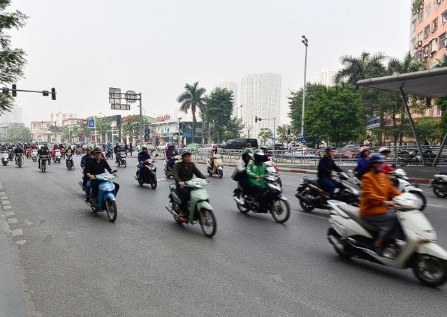 Toàn cảnh hai tuyến đường Hà Nội đang xem xét thí điểm cấm xe máy - 13