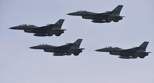 Pakistan bị nghi đưa toàn bộ phi đội F-16 đến biên giới với Ấn Độ giữa lúc căng thẳng