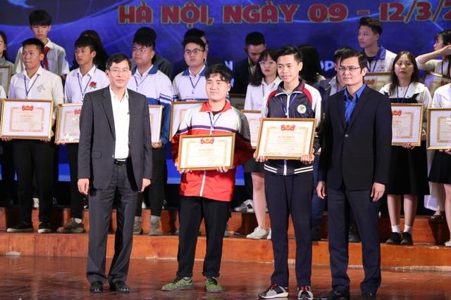 Bộ GDĐT trao 136 giải thưởng cuộc thi KHKT quốc gia khu vực phía Bắc - 3