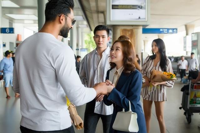 Hoa hậu, Nam vương Siêu quốc gia đến Việt Nam  - 12