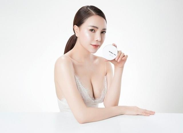"""Trà Ngọc Hằng: Dù kinh doanh mĩ phẩm YN Miraheal, tôi vẫn không """"xao nhãng"""" hoạt động nghệ thuật - 2"""