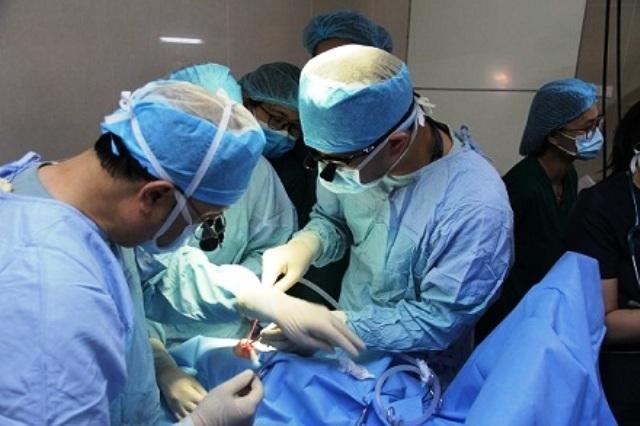 Phẫu thuật miễn phí cho 35 trẻ bị dị tật hở môi - hàm ếch - 1