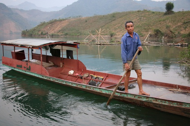 Ngăn hồ sông Đà nuôi cá, lãi hàng trăm triệu/năm - 1