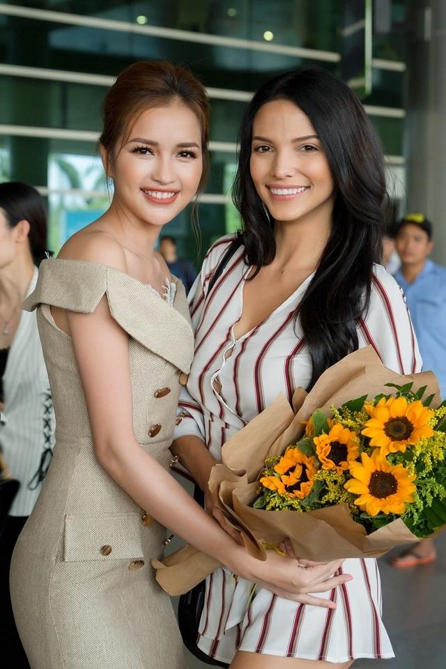 Hoa hậu, Nam vương Siêu quốc gia đến Việt Nam  - 3