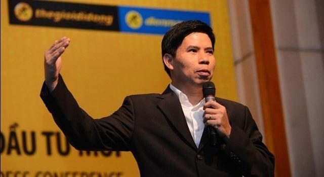 """""""Ông trùm"""" điện thoại gốc Nam Định muốn bán cả xe đạp điện và kính cận! - 1"""