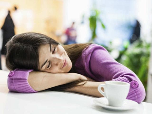 Nhân viên văn phòng chứng minh tầm quan trọng của giấc ngủ trưa - 3