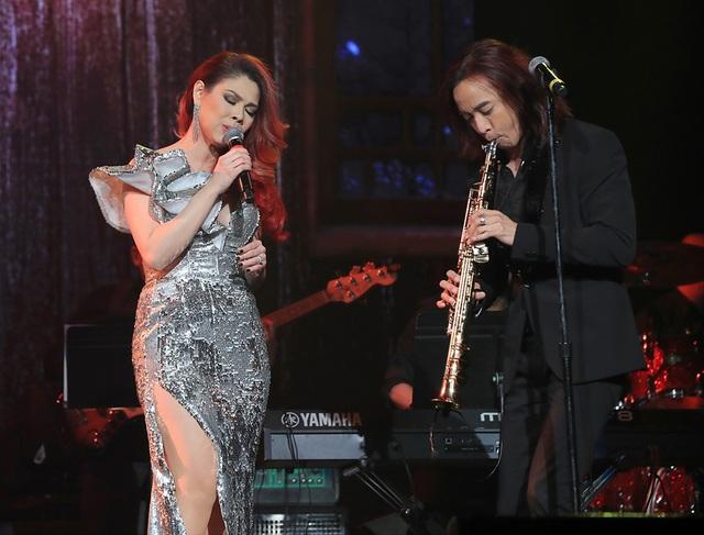 """Thanh Thảo tình tứ bên Quang Dũng khi song ca """"Vị ngọt đôi môi"""" - 12"""