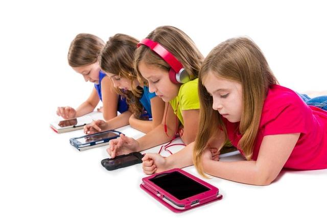 Những sai lầm của cha mẹ khi cho con dùng điện thoại - Ảnh minh hoạ 5