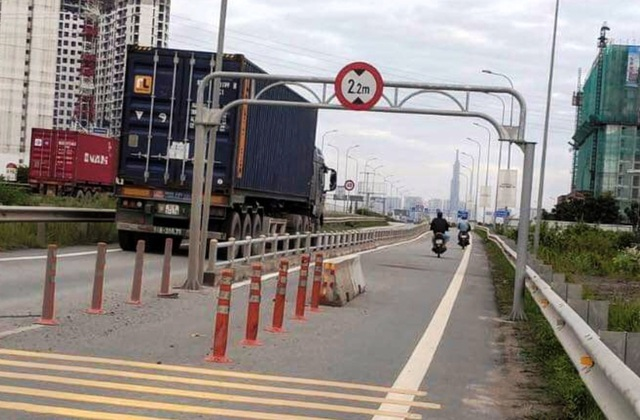 Sở GTVT nói gì về dải bê tông giữa đường cao tốc gây tai nạn chết người? - 2