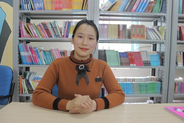 Hà Tĩnh: Cô thủ thư đi xin sách để tặng trẻ em nghèo - 1