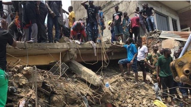 Trường học đổ sập tại Nigeria, 100 học sinh nghi bị chôn vùi - 6