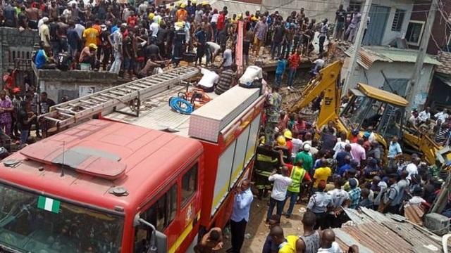 Trường học đổ sập tại Nigeria, 100 học sinh nghi bị chôn vùi - 4