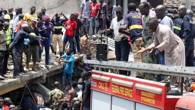 Trường học đổ sập tại Nigeria, 100 học sinh nghi bị chôn vùi - 8