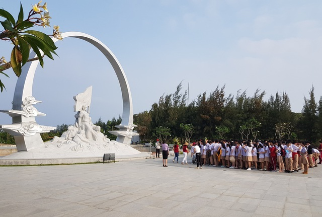 Khu tưởng niệm chiến sĩ Gạc Ma những ngày tháng ba lịch sử - 1