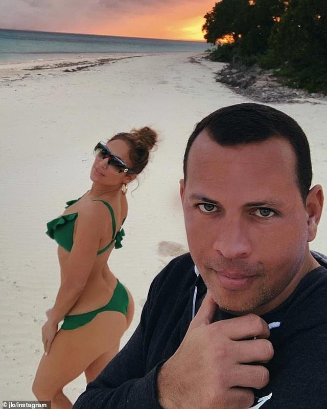 Jennifer Lopez hé lộ khoảnh khắc bồ trẻ cầu hôn - 6