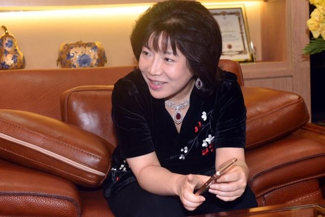 Viện sỹ, Tiến sỹ Nguyễn Thị Thanh Nhàn đi tìm ánh sáng cho người khiếm thị    - 2