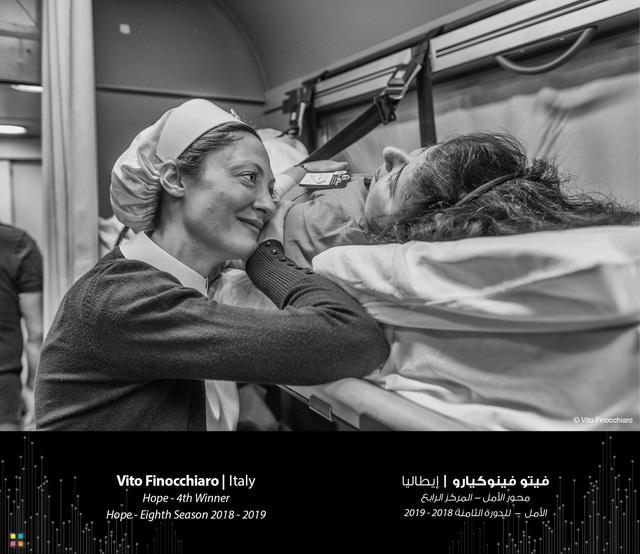 Bức chân dung mẹ con dân tộc HMông đạt giải thưởng nhiếp ảnh quốc tế danh giá - 5