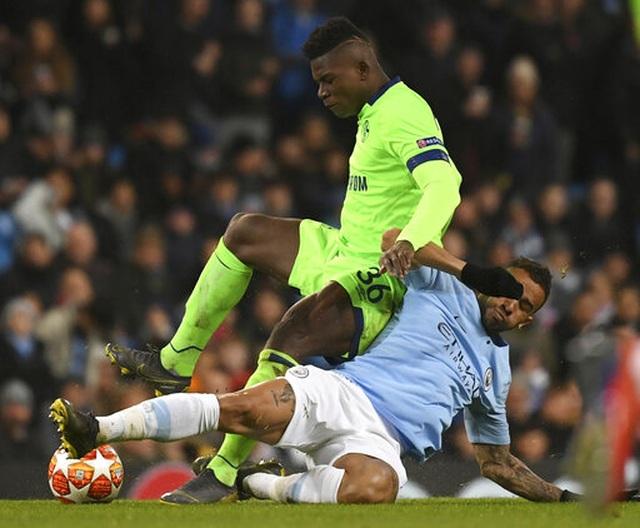 Aguero, Sane xuất thần ở trận đại thắng của Man City trước Schalke 04 - 1
